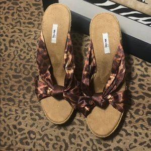 💕3/$10💕Clearance Sale! 💕Wedges